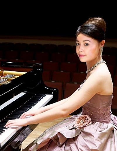 Photoshop Piano Girl